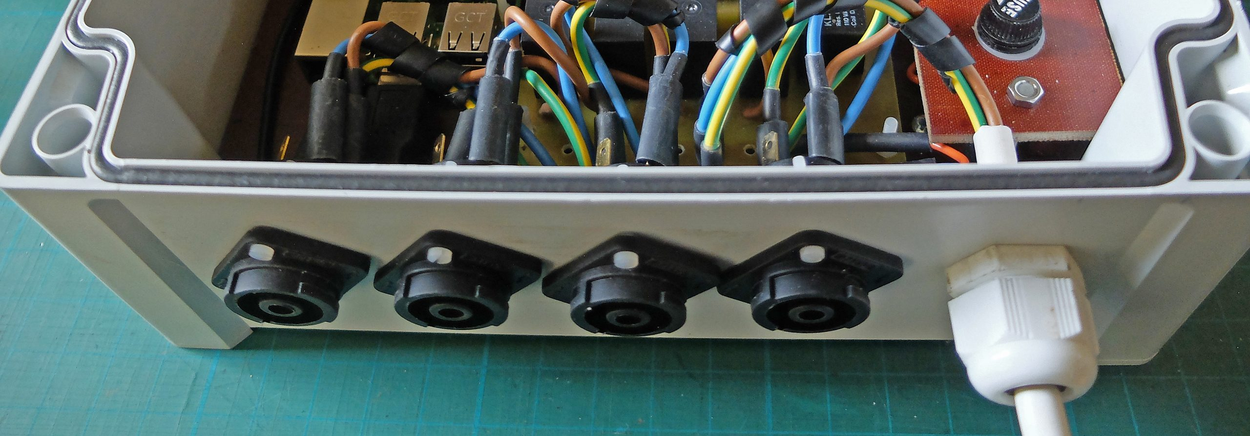 Clifcon 230 volt sockets